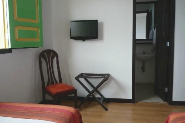 Habitacion con TV Fuente laposadadelaplazasalento com